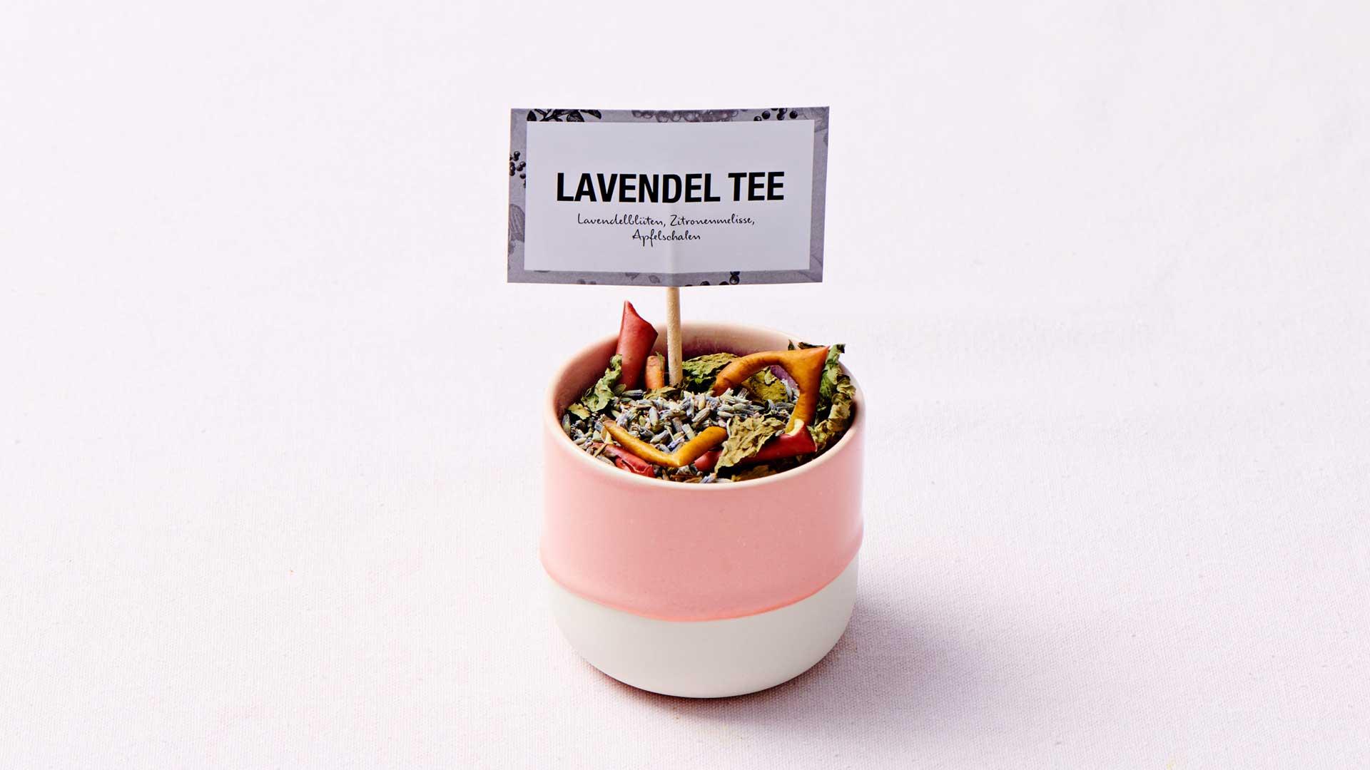 ceai de roinita cu flori de lavanda